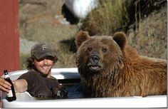 Человек, живущий с медведем гризли! (удивительная история)