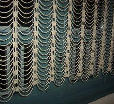 Tunisian Crochet, Thread Crochet, Filet Crochet, Diy Crochet, Crochet Stitches, Crochet Hooks, Crochet Curtains, Lace Curtains, Crochet Pillow