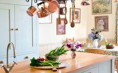 Découvrez les actuelles tendances pour bien aménager la cuisine de vos rêves - conseils pro, astuces, tendances, cuisines design futuriste. (2) Cuisines Design, Dimensions, Comme, Home Decor, Dining Room, Kitchens, Kitchen Arrangement, Kitchen Rails, Mini Kitchen