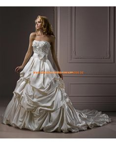 Luxuriöse 2013 Brautkleider aus Satin Ballkleid mit Schleppe mit Reifrock Korsage