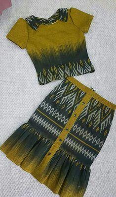 African Blouses, African Shirts, Myanmar Traditional Dress, African Traditional Dresses, Blouse Batik, Batik Dress, Frocks For Girls, Kids Frocks, Batik Fashion