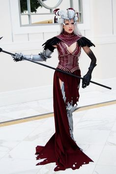 Flemeth's appearance in DA2 really emphasized her power. Can't wait to see if she is in Inquisition! Love this particular cosplayer's costume! ~AmazonMandy on deviantART