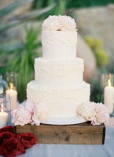 love the flowers for this and the lace decor