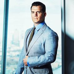 Henry Cavill for Squaremile Magazine Sexy blue suit Oh baby You look so mmmm Most Beautiful Man, Gorgeous Men, Beautiful People, Henry Cavill Eyes, Henry Superman, Superman Baby, Love Henry, Henry Williams, Hollywood Men
