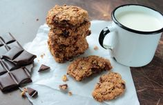 Increase your milk supply with these Homemade Peanut Butter Chocolate Chip Lactation Cookies that are so delicious anyone can eat them! Vegan Lactation Cookie Recipe, Lactation Recipes, Lactation Foods, Chocolate Chip Oatmeal, Chocolate Peanut Butter, Chocolate Chip Cookies, Baking Recipes, Cookie Recipes, Yummy Recipes