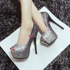zapatillas color plata con tacon alto