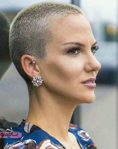 Modern Buzz-Cut - 20 Bold and Daring Takes on the Shaved Pixie Cut - The Trending Hairstyle Really Short Hair, Super Short Hair, Short Grey Hair, Short Hair Cuts, Short Hair Styles, Short Blonde, Short Pixie, Shaved Pixie Cut, Shaved Hair