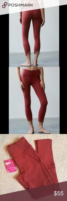 Free people movement Virgo yoga leggings legging Activewear leggings with performance stretch fabric that really hugs you and holds you in-- banded waistband and slit back hem. Size XS and in perfect new condition Free People Pants Leggings