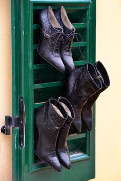 Noë Antwerp is a women's shoe brand with beautiful ladies shoes in over 88 colors. From killer stilettos and pretty peeptoes, to kitten heels and ankle boots. Fall Winter 2015, Shoe Brands, Kitten Heels, Ankle Boots, Metallic, Beautiful Women, Pumps, Lady, Sneakers