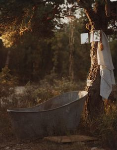 Vintage outdoor tub and shower, rustic cottage life, woods. Why did erectile dysfunction commercials have to ruin outdoor tubs? Indoor Outdoor, Outdoor Bathtub, Outdoor Bathrooms, Outdoor Spaces, Outdoor Gardens, Outdoor Living, Outdoor Decor, Outdoor Showers, Outdoor Retreat