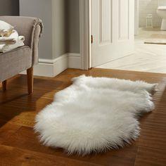 White faux fur sheepskin rug – PASX UK