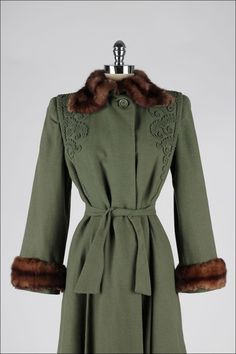 1stdibs.com | Vintage 1940's Green Wool Mink Fur Trim Coat