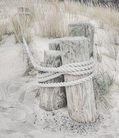 I beach life l Summer Waves, Summer Breeze, Sunset Beach, Driftwood Beach, Shades Of Beige, Dark Places, White Sand Beach, Beach Cottages, Coastal Living