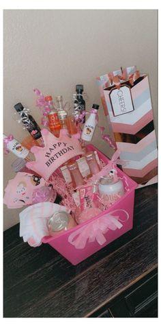 21st Birthday Crafts, 21st Birthday Bouquet, 18th Birthday Present Ideas, 21st Birthday Gifts For Best Friends, 21st Birthday Basket, 21st Birthday Presents, 21st Bday Ideas, 21st Birthday Decorations, Bff Birthday Gift