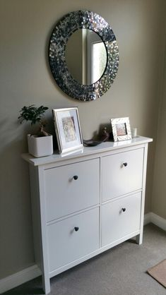 Mosaic mirror and Hemnes shoe cabinet in hallway. Wall colour F&B Old White.