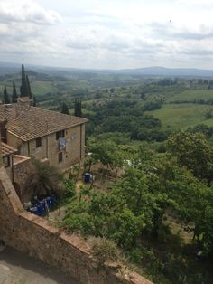 The hilly Tuscany landscape - by TravEllenineurope.com