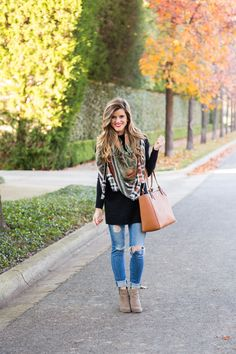 Easy Fall Outfit Idea with Long Black Tunic + Ripped jeans + Grey Leather Ankle Booties