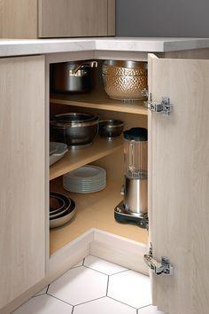 Kitchen Pantry Design, Kitchen Cabinet Storage, Modern Kitchen Cabinets, Modern Kitchen Design, Kitchen Layout, Home Decor Kitchen, Interior Design Kitchen, Home Kitchens, Corner Kitchen Cabinets