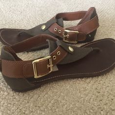 Steve Madden Olive Sandals Lightly worn, in great condition Steve Madden Shoes Sandals