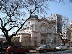 Vieille synagogue de Pretoria. Jewish Temple, Pretoria, Homeland, Barcelona Cathedral, South Africa, Louvre, Architecture, Temples, Building