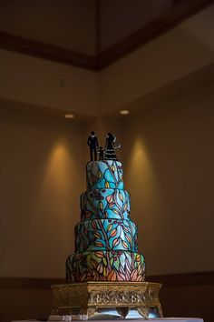 Stained glass wedding cake Stained Glass, Wedding Cakes, Christmas Tree, Baking, Holiday Decor, Home Decor, Wedding Gown Cakes, Teal Christmas Tree, Decoration Home