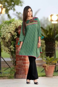 Dress Styles, Dress Designs, Kurtis, Pakistani, Designer Dresses, Ethnic, Fashion Dresses, Chiffon, Tunic Tops
