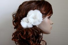 Love the curls with a flower