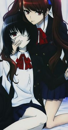 Akazawa Izumi y Misaki Mei.