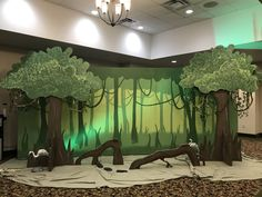 Peyton- This is a jungle that we could get ideas from Jungle Decorations, Graduation Decorations, School Decorations, Giraffes Cant Dance, Green Tablecloth, Solar System Projects, Steam Learning, Hawaiian Luau Party, 3d Tree