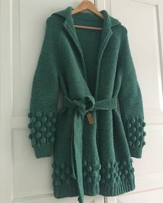 This Pin was discovered by nit Gilet Crochet, Crochet Coat, Crochet Cardigan, Crochet Clothes, Long Cardigan, Knit Fashion, Sweater Fashion, Baby Knitting Patterns, Knit Picks