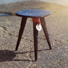 Open Source Sea Chair by Studio Swine made from melted plastic picked up by fishing boats demonstrated in this movie. La Rive, Plastic Design, Upcycled Furniture, Funny Furniture, Design Research, Plastic Waste, Deco Design, Open Source, Sustainable Design