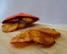 Oggi prepariamo le patatine più gusto al pomodoro in casa! Le cuociamo in forno e ce le gustiamo con pochi sensi di colpa! Siete pronti? Cliccate!