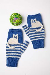 ללא הוראות On these fingerless mitts, charming kittens- worked using simple intarsia- sit atop panels of two-row stripes. Knit flat and seamed, they feature neat ribbed edges. Fingerless Gloves Knitted, Knit Mittens, Knitted Hats, Kitten Mittens, Knitting Charts, Easy Knitting, Knitting Patterns, Start Knitting, Mittens Pattern
