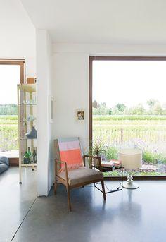 Binnenkijken in een groen huis vol vrolijk design in Wachtebeke / www.woonblog.be