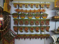 Ethnic Home Decor, Indian Home Decor, Handmade Home Decor, Diwali Decoration Items, Thali Decoration Ideas, Door Hanging Decorations, Diy Hanging, Hobbies And Crafts, Diy And Crafts