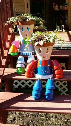 DIY Clay Pot People for Garden Decoration. These DIY Clay Pot Planter people are so adorable for gardening and garden decorating, it is Great idea for single homes with backyard that has stacked steps or benches, Flower Pot Art, Clay Flower Pots, Flower Pot Crafts, Clay Pot Projects, Clay Pot Crafts, Diy Clay, Shell Crafts, Painted Clay Pots, Painted Flower Pots