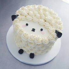 Another in the cutest series of cake shaped animals 🐑 Happy spring everyone! Gorgeous Cakes, Pretty Cakes, Cute Cakes, Amazing Cakes, Cakes To Make, How To Make Cake, Sheep Cake, Lamb Cake, Cake Shapes