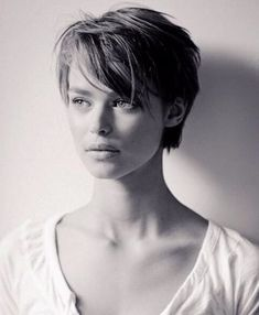 """34 Latest Long Pixie Cuts You'll Love for Summer 2019 – Short Pixie Cuts Long Pixie Pixie haircut came into vogue back in when Audrey Hepburn appeared on the screens in the movie """"Roman Holiday"""". Since then, she has b…, Pixie Cuts Longer Pixie Haircut, Haircut For Thick Hair, Girls Pixie Haircut, Long Pixie Hairstyles, Short Pixie Haircuts, Teen Hairstyles, Casual Hairstyles, Medium Hairstyles, Latest Hairstyles"""