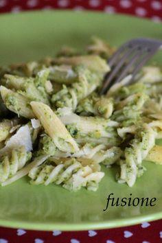 La mia #pasta con #salsa di #cavolo #broccolo e scaglie di #parmigianoreggiano! #ricetta #cucinaitaliana http://blog.giallozafferano.it/alexandranerefe/pasta-cavoli-broccoli/
