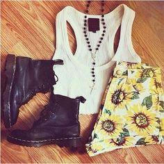 Recreate the look! Sunflower Print High-Waist Denim Shorts - Trendslove