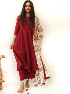 Maroon Beige Printed Cotton Mulmul Anarkali Suit - Set of 3 Salwar Designs, Kurti Designs Party Wear, India Fashion, Ethnic Fashion, Suit Fashion, Fashion Outfits, Ethnic Outfits, Indian Outfits, Indian Attire