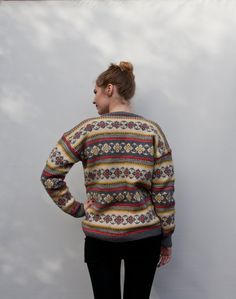 Hestejakka fra LevLandlig. A lovely vintage 1960s wool knit cardigan sweater in the Norwegian tradition.