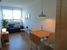 Apartment in L'Hospitalet de Llobregat, Spain. NEW!! Bright and sunny apartment located on the fifth floor of a building with elevator.  Near Fira, Gran Via 2, Plaça Espanya, Montjuic and Metro Station Line 9 CAN TRIES-GORNAL  Double room (bed 1,60 x 2,00) Cozy living room. Separate kitchen. N...