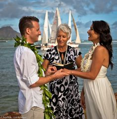 Magic Island Wedding In Honolulu At Sunset