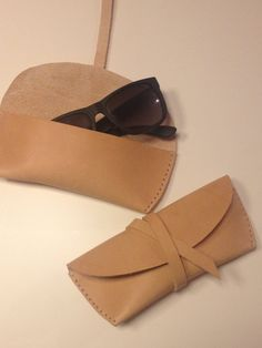 Etsy-Shop: Leather case for glasses or sunglasses, handmade natural leather