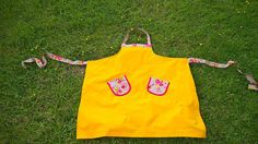 Bright Apron with Flowers by Stoffenspinsels on Etsy
