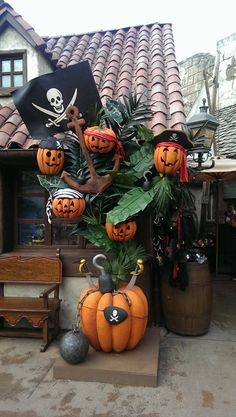 Disneyland Paris Halloween Pumpkins at Le Coffre du Capitaine