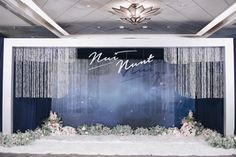 Wedding Backdrop Design, Wedding Reception Backdrop, Wedding Stage Decorations, Backdrop Decorations, Backdrop Event, Wedding Backdrops, Backdrop Ideas, Wedding Table Deco, Wedding Wall