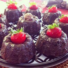 Mini Chocolate Bundt Cakes Chocolate Bundt Cake, Food Pack, Bundt Cakes, A Food, Pudding, Baking, Mini, Easy, Desserts