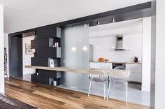 architecte: Atelier MEP  surface: 90 m²  maitre d'ouvrage : privé  programme: réhabilitation d'un appartement  mission: Esquisse, APD, PRO-DCE, suivi de chantier  calendrier: projet : octobre - décembre 2013 – réalisation : janvier - avril 2014